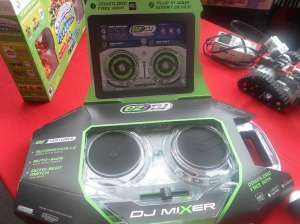 EZ Pro D-J  Mixer www.jakks.com